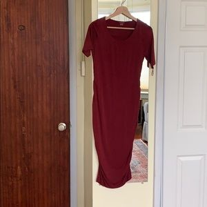 A Pea in the Pod stretchy maternity dress